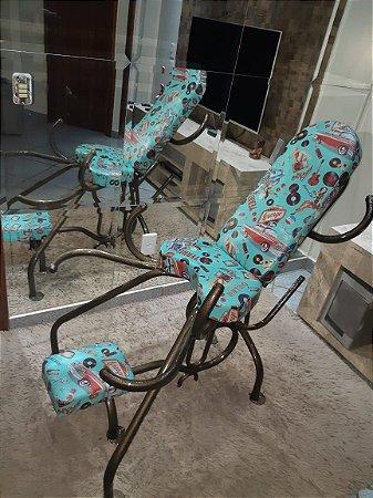 Cadeira estampa pineapple