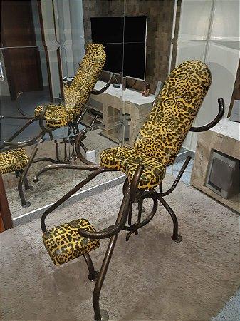 Cadeira Estampa de Onça