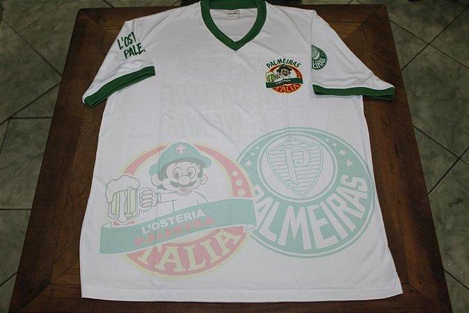 Camiseta Feminina Branca com escudos