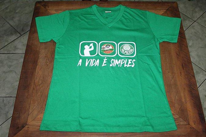 """Camiseta Feminina Verde com a frase """"A Vida é Simples"""""""