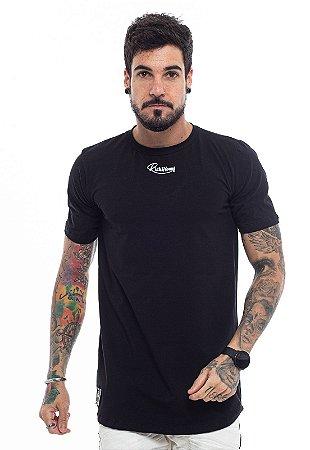 Camiseta Long Bordada Peito Preta