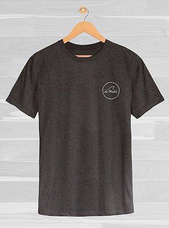Camiseta Fisher Cinza Chumbo