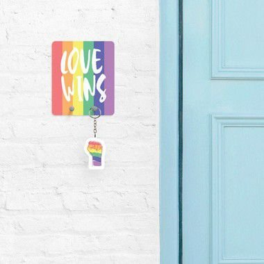 Porta Chaves Love Wins - Orgulho LGBT