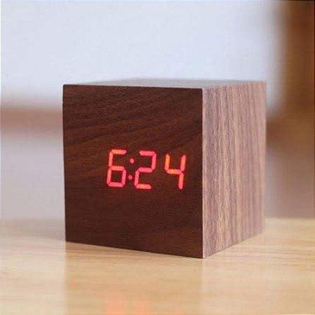 Relógio Cubo De Madeira - Marrom Escuro