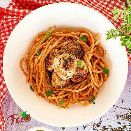 Comida Congelada – Macarrão Integral com Almôndegas de Frango e Quinoa – 350g – FoodLev