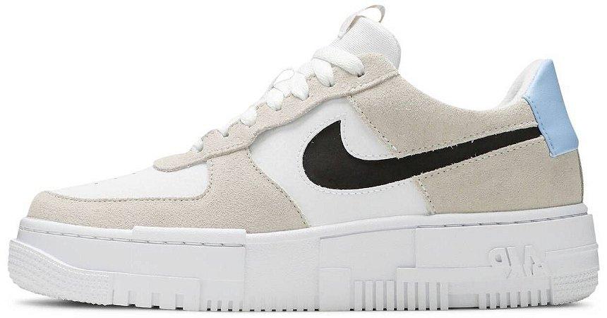 """Nike Air Force 1 Pixel """"Desert Sand"""" Feminino"""