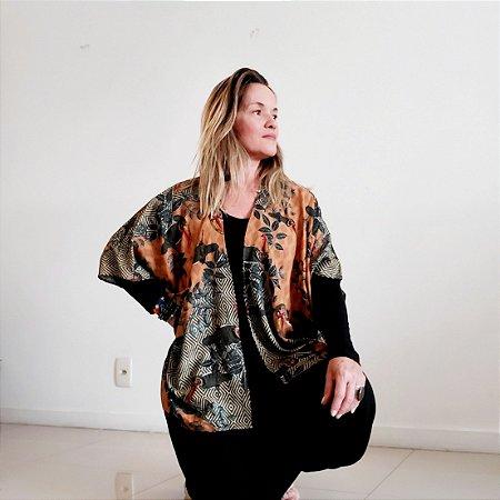 Kimono Tucano com folhagem
