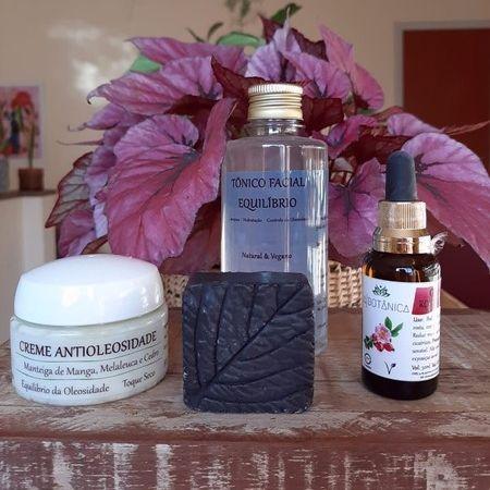 Kit A Botânica para peles oleosas com manchas e marcas de acne