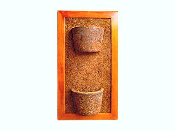 Vaso Artesanal de Parede Duplo Vertical - Madeira e Fibra de Coco - 45 x 80cm
