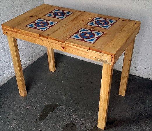 Mesa de Jantar com 4 Ladrihos Hidráulicos