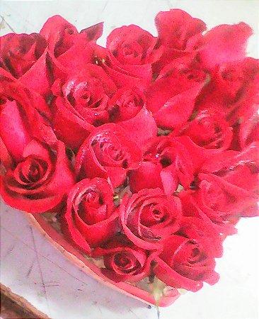 Coração recheado de rosas...Entrega em até 3 horas.Horário comercial.