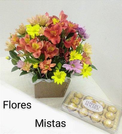 Arranjo flores mistas mais ferrero