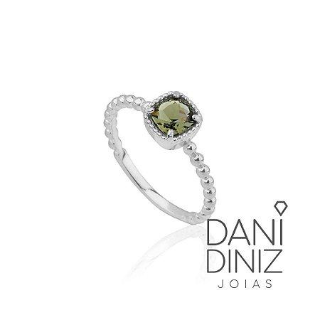 Anel delicado com cristal verde