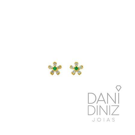 Brinco mini flor miolo verde Elis