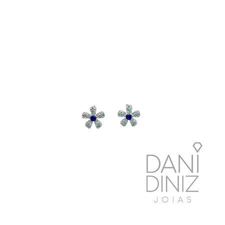 Brinco mini flor miolo azul Laís