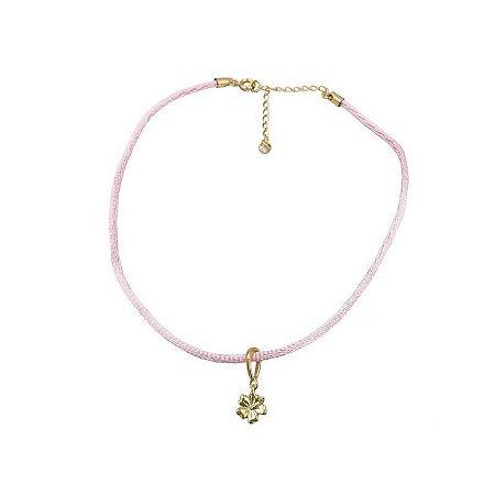 Choker cordão seda rosa pingente flor