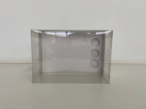 Caixa branca Coração lapidado 500g + 3 doces