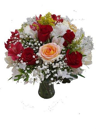 Arranjo com Rosas Vermelhas e Ambiance no Vaso