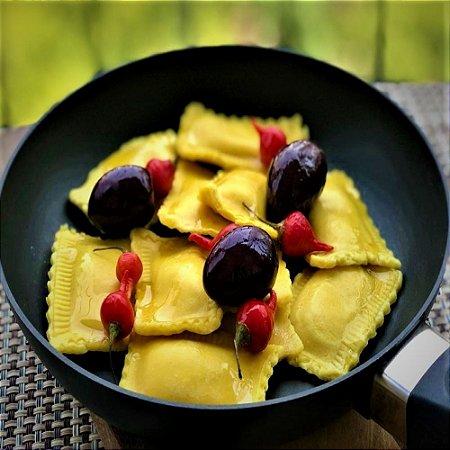 Raviolli (amarelo) Cream Cheese e Azeitonas Pretas 1kg