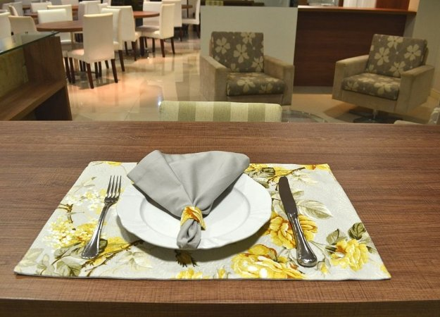 Jogo Americano Floral Amarelo (2 peças)