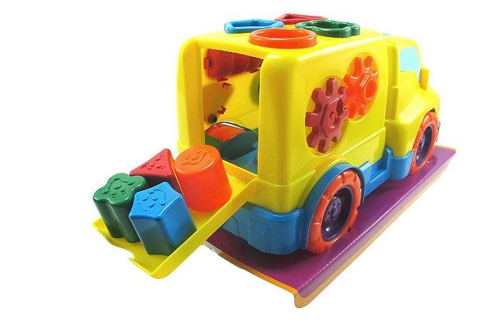 Caminhão com Encaixes e Portinha