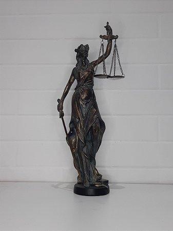 DAMA DA JUSTIÇA