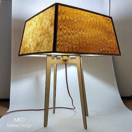 Luminária de mesa Lola