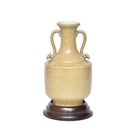 Vaso de Cerâmica Bege com Alça e base de madeira