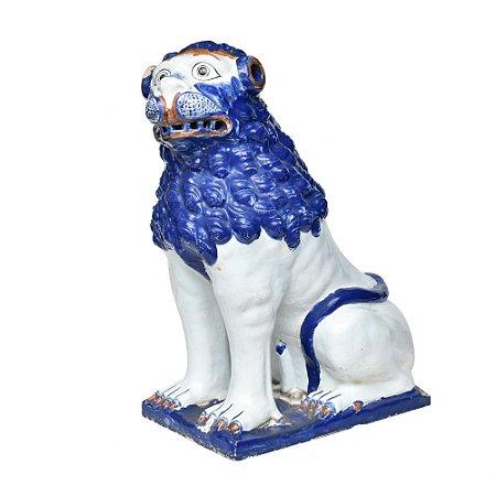 Leão Antigo Chinês com Pequenos Defeitos