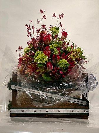 Arranjo de Flores Naturais Variadas no vaso de vidro