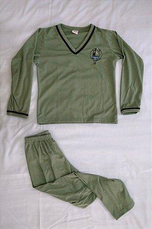 Pijama Infantil Masculino Longo e Gola V - Verde com Detalhes em Preto e Barco Bordado