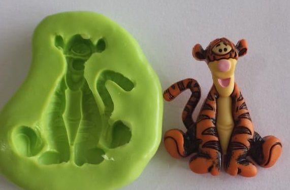 Molde de Silicone Urso Pooh - Tigrão  4cm