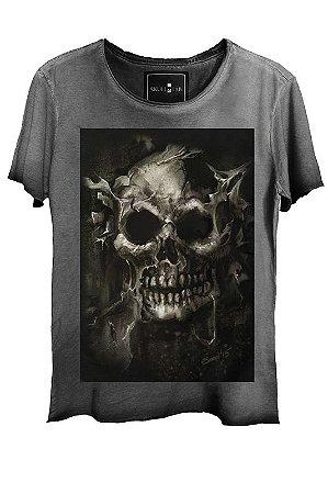 Camiseta Estonada Gola Canoa Corte a Fio Skull Root Tree