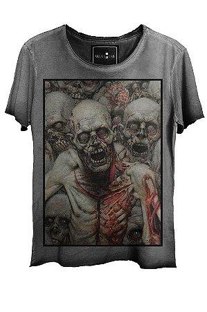 Camiseta Estonada Gola Canoa Corte a Fio Skull Zombies