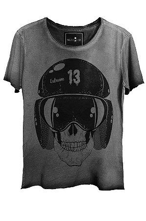 Camiseta Estonada Gola Canoa Corte a Fio Skull  Helmet