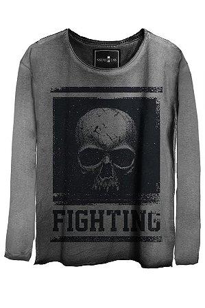 Camiseta Estonada Gola Canoa Manga Longa  Skull Fighting