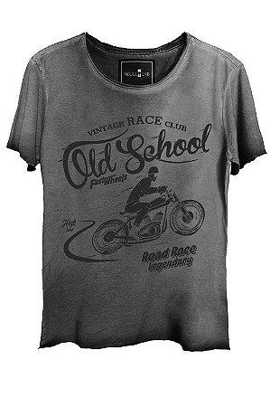 Camiseta Estonada Gola Canoa Corte a Fio Old School