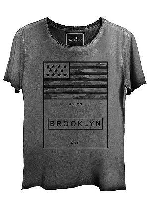Camiseta Estonada Gola Canoa Corte a Fio NYC Brooklyn