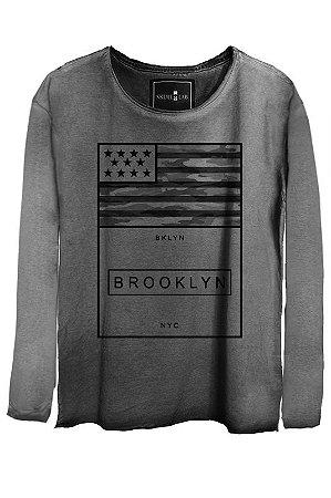 Camiseta Estonada Gola Canoa Manga Longa NYC Brooklyn
