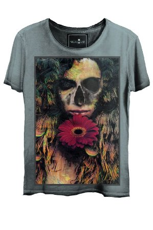 Camiseta Estonada Gola Canoa Corte a Fio  Love Skull Azul