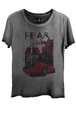 Camiseta Estonada Gola Canoa Corte Grafite Fear 7926