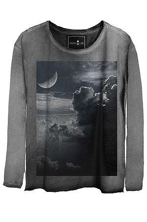 Camiseta  Estonada Gola Canoa Manga Longa Clouds