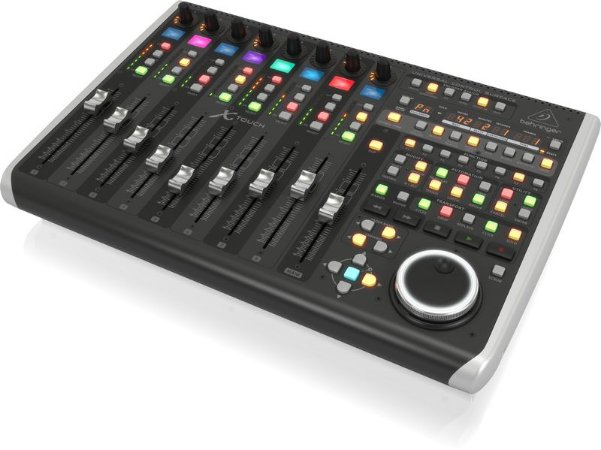Controlador Behringer X-Touch Universal Control USB
