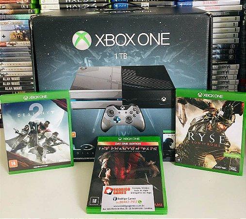 Console - Xbox One 1TB com 3 Jogos ( USADO )