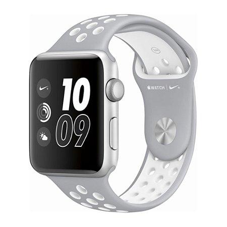 Apple Watch Series 2 Nike+ 38mm Caixa Prateada de Alumínio e Pulseira Esportiva Cinza / Branca