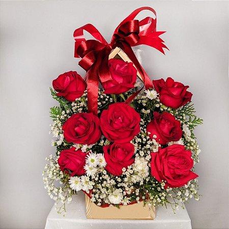 Casinha com 9 Rosas