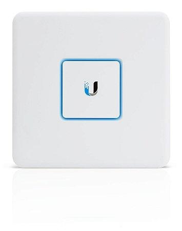 Roteador/Firewall Ubiquiti Unifi Security Appliance USG BR - Ubiquiti