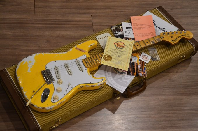 Guitarra Fender Stratocaster Ynguie Malmsteen Signature Velha Guitarra Playloud