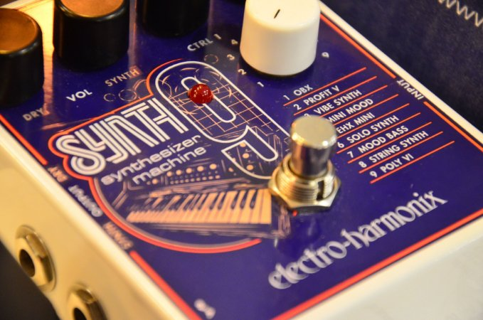Pedal EHX Synth9 Synthetizer Machine