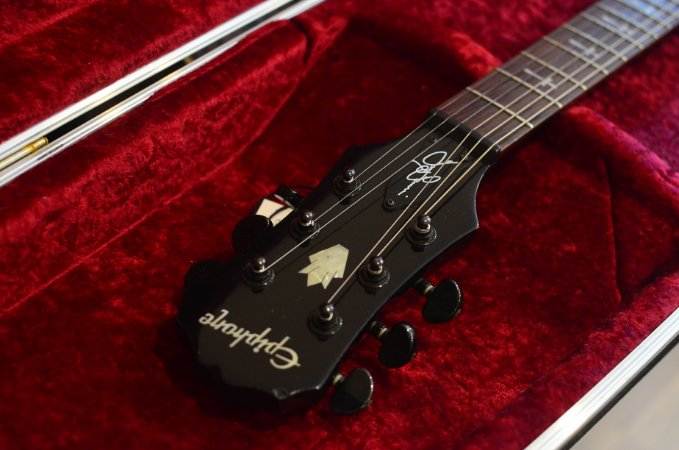Guitarra Epiphone SG Tony IOMMI Signature Limited Edition